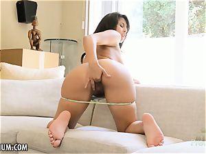 Sophia Leone wanks her warm tiny fuckbox