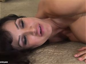 two horny big-chested milf with bootylicious bods Lisa Ann and Jayden Jaymes have lezzy bang-out with a strap-on