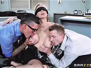 jaw-dropping manager Julia Ann gets a dual creaming