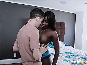 Jordi tears up his dark-hued stepmom and girlfriend