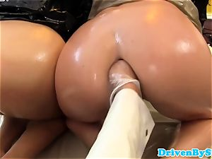 super-naughty trio lesbos fisting and pusslicking