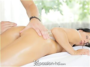 Lexi gets a total figure rubdown with facial