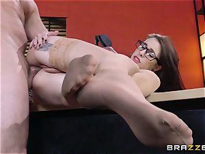 Anna De Ville plows her job interviewee