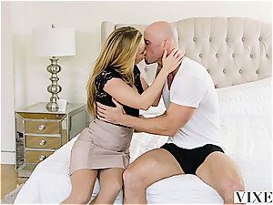 Carter Cruise gets numerous ejaculations while her manager keeps plumbing her