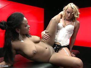 rough Kathia Nobili pushes her wire on man meat deep down her counterpart hatch