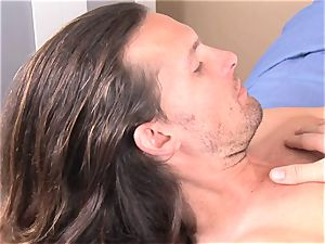 Alexis Capri tucks a dude meat pecker in her mouth and likes it