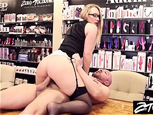 AJ Applegate assistant takes it up the bootie her boss