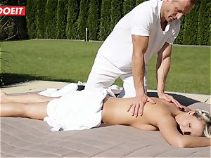 horny Housewife Gets plumbed by Her rubdown Therapist