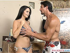 black-haired cougar Ava Addams gets gigantic bosoms plowed