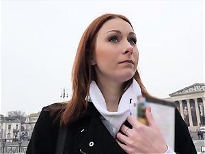 redhead Serpente Edita shows and drills a stranger