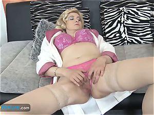 EuropeMaturE huge-titted blonde Mature Solo masturbation
