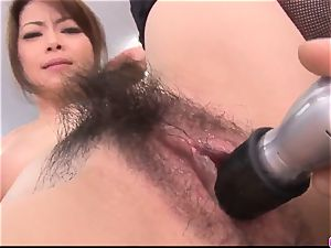 Maki Hojo leaves the manager to pound her at work