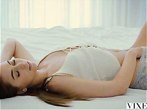 VIXEN Riley Reid and Kendra Sunderland have best g/g romp