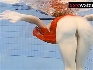 super-sexy super-fucking-hot gal swimming in the pool
