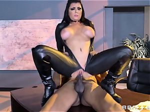 special agent Romi Rain gets gash deep with the chief