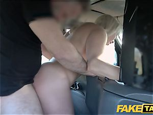 fake taxi blond mummy Victoria Summers fucked in a cab