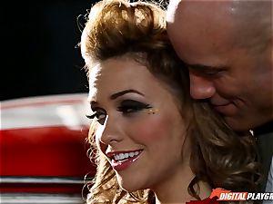 Racing beauty Mia Malkova
