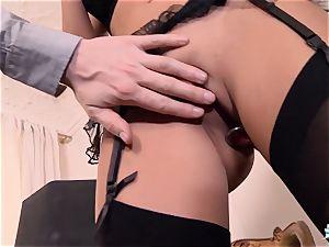 LA COCHONNE Romanian babe loves deep hasty anal