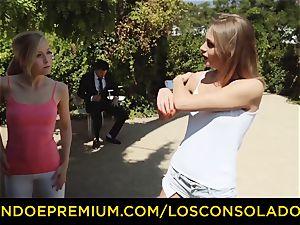 LOS CONSOLADORES - super-fucking-hot blondes share rigid spear in trio