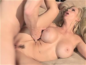 A tiny help from my friends part 4 with mummy Alexis Fawx