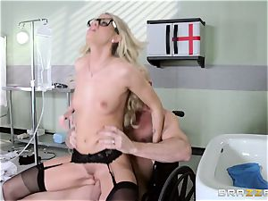 hot medic Jessa Rhodes checks out this fat meatpipe