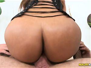 hot Harley Dean liking Jayla Foxxs gigantic rump in this epic three way