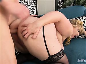 large jugged sweetie gets her ass hole plugged
